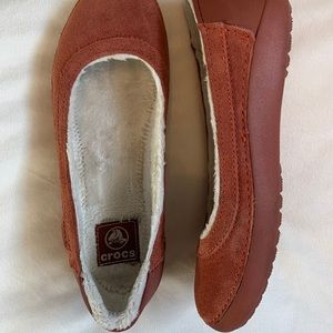 Crocs Orange Flats size 7.5 cozy and warm